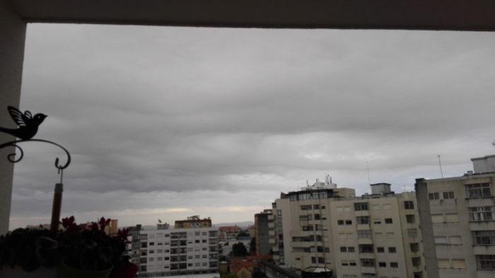 An asperitas formation over Porto, Portugal.