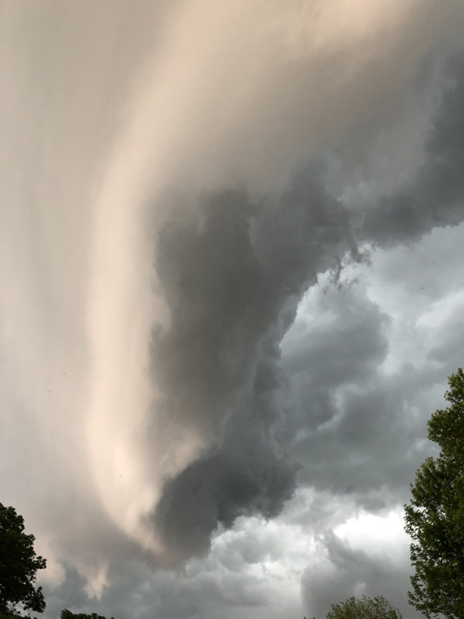 A storm front rolls in over La Crosse, Wisconsin, US. © Kristin Allbright