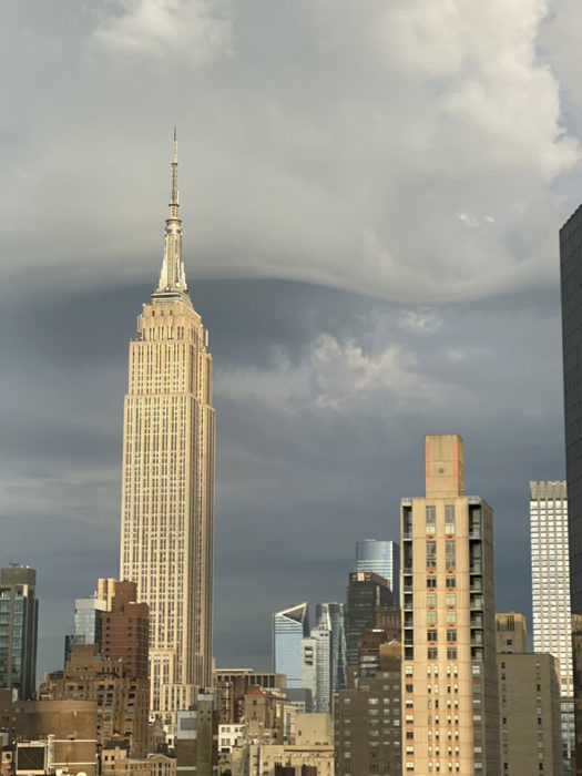 A wave of asperitas over New York City, US.